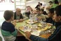 Ja es poden presentar les sol·licituds per a la concessió d'ajuts econòmics per als menjadors escolars curs 2019-2020
